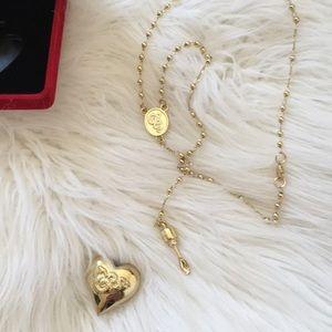 Lana Del Rey cocaine necklace